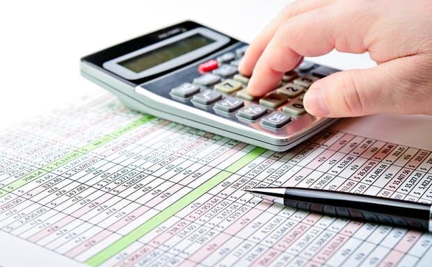 Νέο φορολογικό: Τι αλλάζει για επιχειρήσεις, μισθωτούς και συνταξιούχους