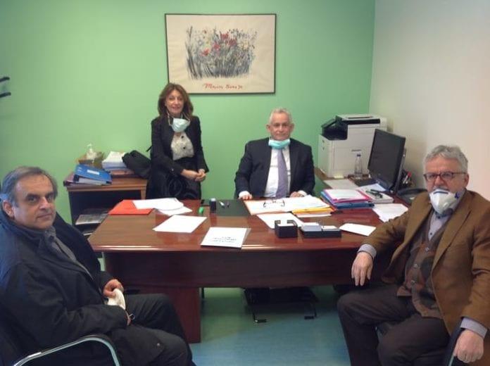 O Διοικητής του Nοσοκομείου «Αγία Όλγα» κ. Χαράλαμπος Πρίφτης, η αναπληρώτριά του κα Ευαγγελία Λάππα, ο Πρόεδρος της Ένωσης Σπάρτης κ. Λουκάς Χριστοδούλου και ο Πρόεδρος του Ιωνικού Συνδέσμου κ. Γιάννης Κοντίτσης