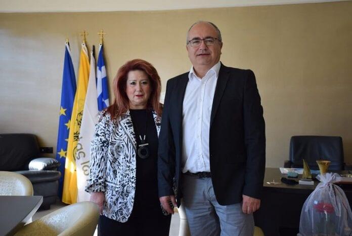 Η Δήμαρχος Ν. Ιωνίας Δέσποινα Θωμαΐδου και ο Δήμαρχος Ηρακλείου Αττικής Νίκος Μπάμπαλος